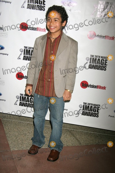 Noah Gray-Cabey Photo - I11642CHW THE NAACP HOLLYWOOD BUREAU PRESENTS WHOS RUNNING THE SHOW A CASE STUDY IN DIVERSITY FEATURING THE CAST OF THE HIT SERIES HEROES ACADEMY OF TELEVISION ARTS  SCIENCES NORTH HOLLYWOOD CA 02-28-2007 NOAH GRAY-CABEY PHOTO CLINTON H WALLACE-PHOTOMUNDO-GLOBE PHOTO