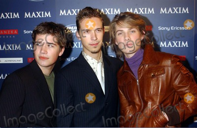 Michelle Branch Photo - Maxim Sno Party Hosted by January Cover Girl Michelle Branch 289 Tenth Avenue New York City 12102003 Photo by Ken BabolcsayipolGlobe Photos Inc Hanson Brothers