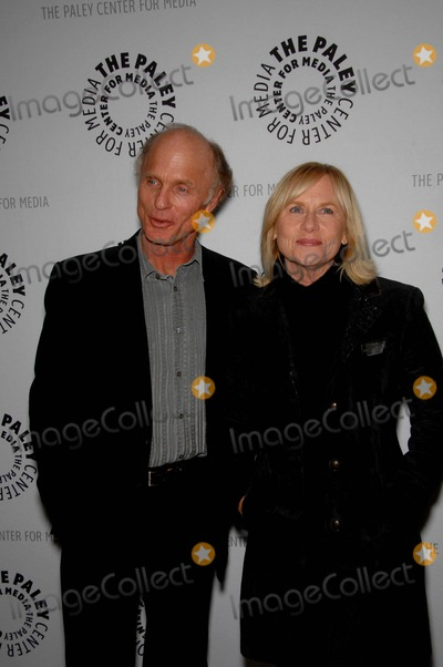 Amy Madigan Photo - Ed Harris and Amy Madigan during the Paley Center for Media presentation of the premiere of American Masters - Jeff Bridges The Dude Abides held at the Leonard H Goldenson Building on January 8 2011 in Beverly Hills CaliforniaPhoto Michael Germana - Globe Photos Inc 2011K66478mge