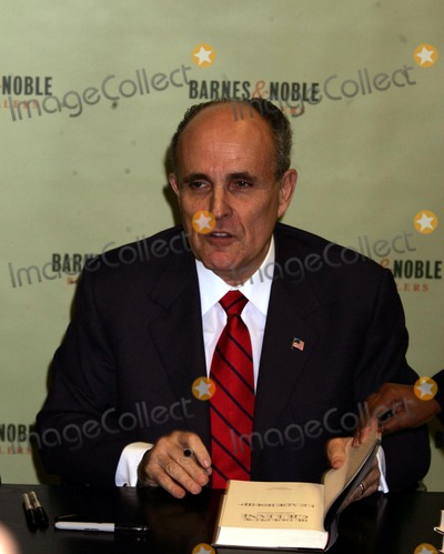 level 5 leadership rudy giuliani Watch video as putative secretaries of state go, rudy giuliani doesn't lack qualifications but he's one of the most controversial and undiplomatic individuals to.