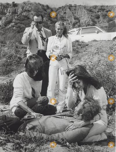 Tanya Roberts Photo - Charlies Angels Jaclyn Smith with Cheryl Ladd  David Doyle  Tanya Roberts and Vic Morrow Still Supplied by Globe Photos Inc