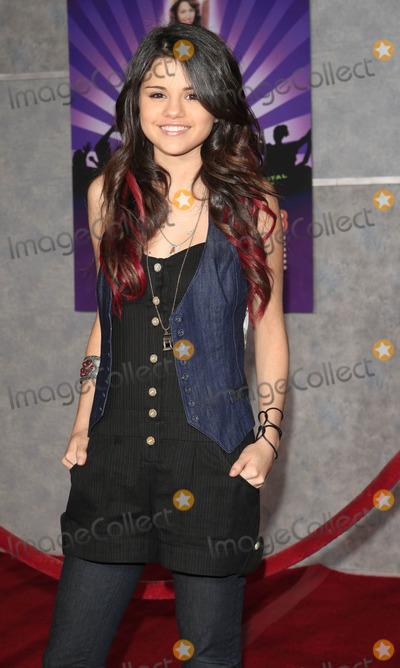 Selena Gomez Photo - Selena Gomez - Hannah Montana  Miley Cyrus Best of Both Worlds Concert - World Premiere - El Capitan Theater Hollywood California - 01-17-2008 - Photo by Nina PrommerGlobe Photos Inc2008 -