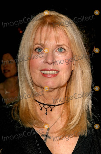 Nellie Bellflower Photo - Finding Neverland Premiere at the Academy Theatre in Beverly Hills California 11112004 Photo by Kathryn IndiekGlobe Photos Inc 2004 Nellie Bellflower - Producer