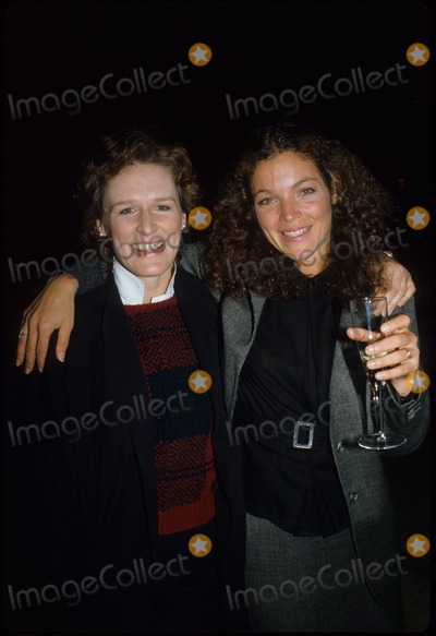 Amy Irving Photo - Amy Irving Glenn Close 1984 15390 Supplied by Globe Photos Inc
