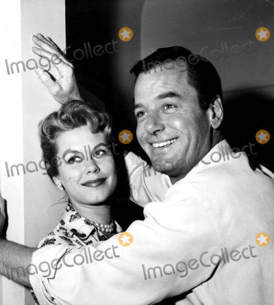 Elizabeth Montgomery Photo - Gig Young and Elizabeth Montgomery 1959 Photo by Globe Photos