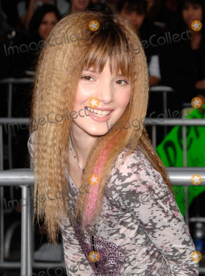 Bella Thorne Photo - Bella Thorne During Jonas Brothers the 3d Concert Experience Held at the El Capitan Theatre on February 24 2009 in Los Angeles Photo Michael Germana  Superstar Images - Globe Photos