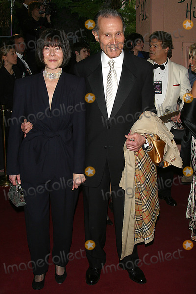 Henry Silva Photo - the 15th Annual Night of 100 Stars Dinner Gala Beverly Hills Hotel Beverly Hills CA 02-27-05 Photo by Milan RybaGlobe Photos Inc 2005 Henry Silva and Wife