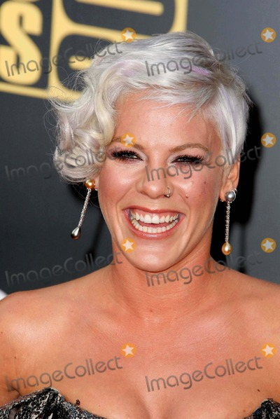 Alecia Moore Photo - Pink - Alecia Moore Singer 2008 American Music Awards Red Carpet Arrivals Nokia Theater Los Angeles CA 11-23-2008 Photo by Graham Whitby Boot-allstar-Globe Photos Inc 2008