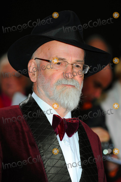 Terry Pratchett Photo - Sir Terry Pratchett Author at the 2010 Galaxy National Book Awards at the Bbc Televison Center in London  England 11-10-2010 Photo by Neil Tingle-allstar-Globe Photos Inc