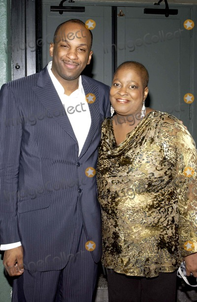 Donnie Mcclurkin Photo - Bet 2005 Celebration of Gospel Held at the Orpheum Theatre in Los Angeles 1-22-2005 Photo Byvalerie Goodloe-Globe Photos Inc 2005 Donnie Mcclurkin and Sister Olivia