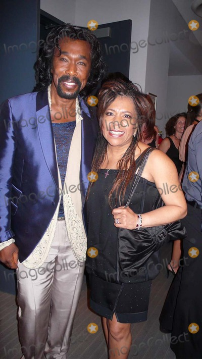 Ashford and Simpson Photo - The September Issue Screening and Cocktail Party at the Museum of Modern Art (moma) New York City 08-19-2009 Nick Ashford Valerie Simpson Photo by Rose Hartman-Globe Photos Inc 2009
