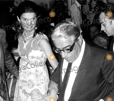Jacqueline Kennedy Onassis Photo - Jacqueline Kennedy Onassis and Aristotle Onassis SmpGlobe Photos Inc Jacquelinekennedyonassisobit