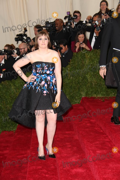 Lena Dunham Photo - The Metropolitan Museum of Art Costume Institute Gala Celebrating the Opening of Charles Jamesbeyond Fashion May 5 2015 Metropolitan Museum of Art NYC Lena Dunham