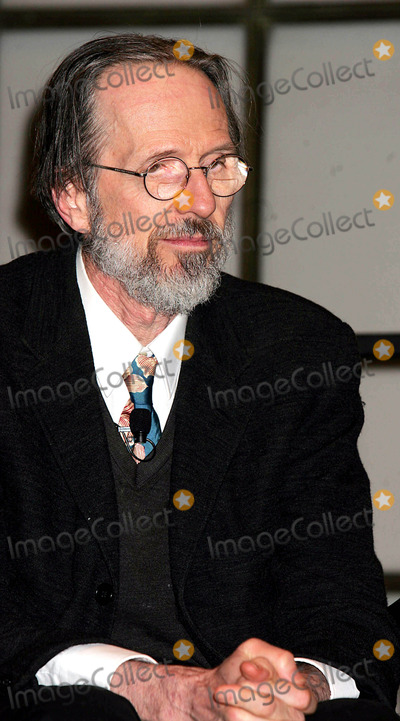 Robert Crumb Photo - Robert Crumb Has a Cnversation About His New Publication the Robert Crumb Handbook (After He Got Upset with Photographers They Were Asked to Leave) New York City 04-14-2005 Photo Rick Mackler-rangefinders-Globe Photos Inc