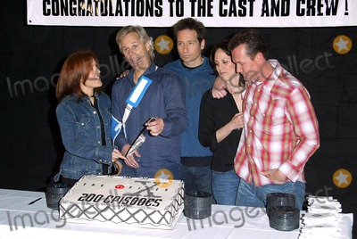 Chris Carter Photo - The X-files 200th Episode Celebration the Fox Studios Lot Los Angeles 542 Gillian Anderson Chris Carter (Creator) David Duchovny Annabeth Gish Robert Patrick at Cake Cutting Credit AllstarGlobe Photos Inc