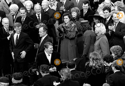 Neils Schneider Photo - 12089_Wash DC_Pres Ronald Reagan and Nancy Reagan(R) at the innaugeration of his successor George HW Bush Also on the Capitol balcony are Barbara Bush  Dan Quail Sen Bob Dole Sen Byrd PHOTO BYNEIL SCHNEIDERGLOBE PHOTOS INC  2004RONALDREAGANRETRO