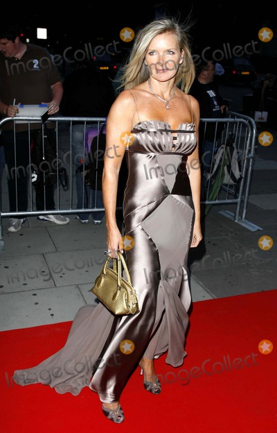 Amanda Wakeley Photo - in Style Magazine 5th Birthday Party-arrivals-victoria and Albert Museum London United Kingdom 06-19-2006 Photo by Mark Chilton-richfoto-Globe Photosinc Amanda Wakeley