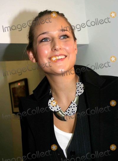 Leelee Sobieski Photo - Olympus Fashion Week 2007 Spring Collection of Imatation of Christ ( Backstage ) New York City 09-10-2006 Photo Barry Talesnick-ipol-Globe Photos Inc 2006 Leelee Sobieski