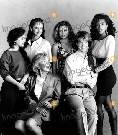Alison Elliott Photo - Leah Remini Alison Elliott Melissa Willis Viveca Fox Michael Learned and Jonathan Wars in Living Dolls Supplied by Globe Photos Inc