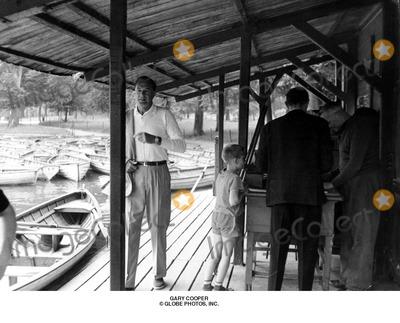 Gary Cooper Photo - Gary Cooper Globe Photos Inc