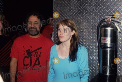 Amy Carter Photo - Abbie Hoffman with Amy Carter F3953 Photo by John Barrett-Globe Photos Inc
