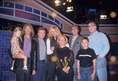 Lorenzo Lamas Photo - Richard Hatch with Son Christopher  Sally Jessy Raphael  Lorenzo Lamas  Alan Thicke  Sebastian  Walt Wiley Sally Jessy Raphael Show For Fathers Day New York City 2001 K22077jbu Photo by Judie Burstein-Globe Photos Inc