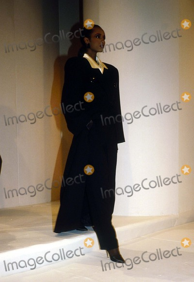 Anne Klein Photo - Iman at Anne Klein Fashion Show 1986 14051 Photo by Doug Vann-ipol-Globe Photos Inc