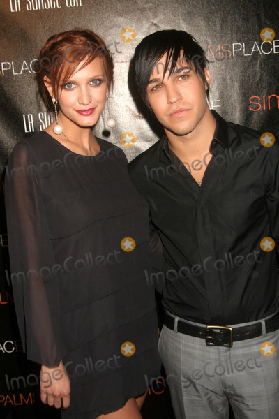 Ashlee Simpson Wentz Photo - the Grand Opening of Palms Place Hotel and Spa Las Vegas NV 05-31-2008 Photo by Ed Geller-Globe Photos Ashlee Simpson and Pete Wentz