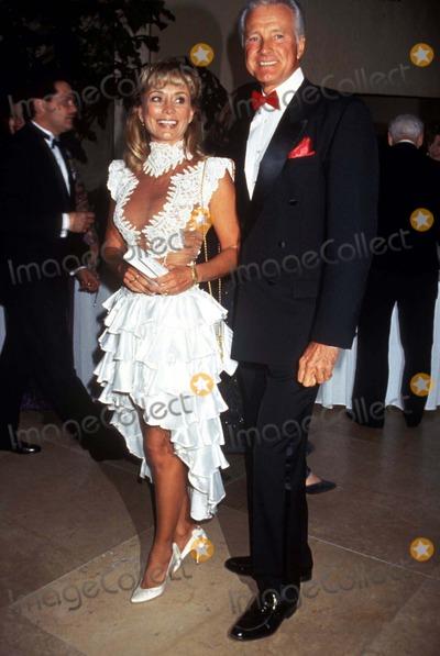 Lyle Waggoner Photo - John Wayne Cancer Benefit 1995 Lyle Waggoner and Wife Sharon Photo by Lisa RoseGlobe Photos