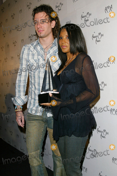 JC Chasez Photo - Jc Chasez and Toni Braxton - 30th American Music Awards Nominations - at the Beverly Hilton Hotel in Beverly Hills CA - Photo by Fitzroy Barrett  Globe Photos Inc - 11-19-2002 - K27215fb (D)