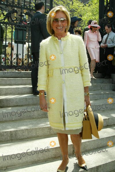 Adrienne Vittadini Photo - K30495SMO  SD050721st Annual Frederick Law Olmstead Awards Luncheoncelebrates 150 years of Central Park hosted by the Womens Committee of the Central Park ConservancyConservatory Garden in Central ParkPHOTOSONIA MOSKOWITZGLOBE PHOTOS INC 2003ADRIENNE VITTADINI
