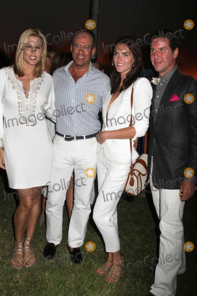 ALICE STEPHENSON Photo - The 12th Annual Love Heals at Luna Farm Benefit For the Alison Gertz Foundation For Aids Education Luna Farmsagaponack NY July 9 2011 Photos by Sonia Moskowitz Globe Photos Inc 2011 Mary Alice Stephenson Andrew Saffir Peter Davis Hilary Rhoda