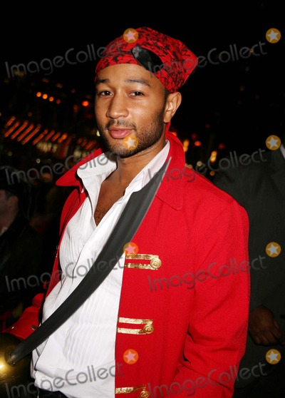 JOHN LEGEND Pictures and Photos