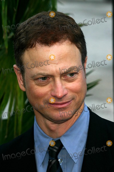 Gary Sinise Photo - 2004-2005 Cbs Upfront Party at Tavern on the Green  New York City 05192004 Photo John B Zissel Ipol Globe Photos Inc 2004 Gary Sinise