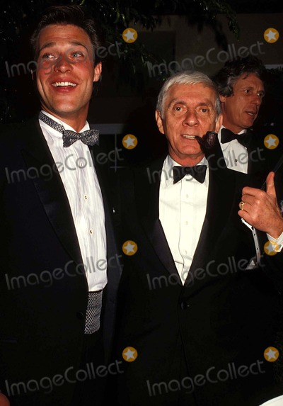 Aaron Spelling Photo - 1986 Peoples Choice Awards John James and Aaron Spelling Photo by Phil Roach-ipol-Globe Photos Inc
