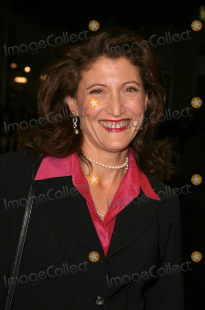 Amy Aquino Photo - in Good Company World Premiere at Graumans Chinese Theatre in Hollywood California 12-06-2004 Photo by Kathryn IndiekGlobe Photos Inc 2004 Amy Aquino