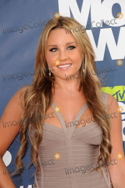 Amanda Bynes Photo - Amanda Bynes attending the 2011 Mtv Movie Awards Arrivals Held at  Universal Studios in Universal City California on 6511photo by D Long- Globe Photos Inc  2011