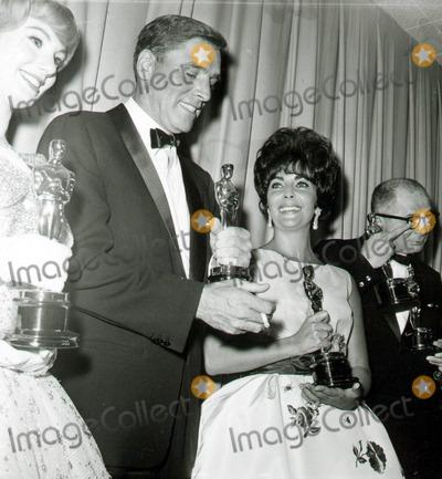 Burt Lancaster Photo - Burt Lancaster Elizabeth Taylor Globe Photos Inc Acadeyawardsoscar
