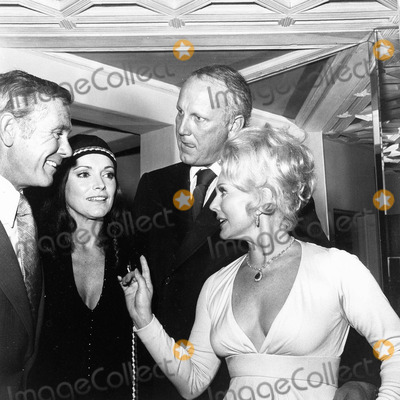 Johnny Carson Photo - Eva Gabor Withfrank Jamieson  Johnny Carson and Wife Supplied by Globe Photos Inc