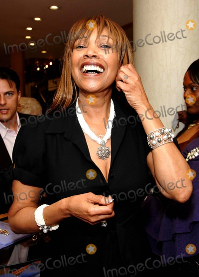 Anita Pointer Photo - Anita Pointer Kathy Ireland Hosts Her Jewelry Line For House of Taylor at Gearys Beverly Hills  CA 05-12-2007 Photo by Scott Kirkland-Globe Photosinc