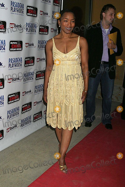 August Wilson Photo - Pasadena Playhouse Presents the Opening of August Wilsons Fences the Pasadena Playhouse Pasadena CA 09-01-2006 Angela Bassett Photo Clinton H Wallace-photomundo-Globe Photos Inc