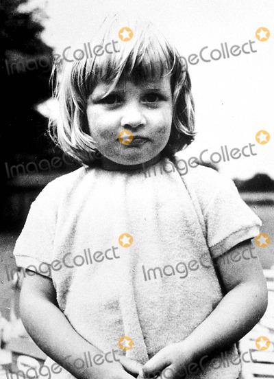Lady Diana Photo - Age 3 at Park House  Sandringham  Norfolk Princess Diana ( Lady Diana Spencer ) Photo ByGlobe Photos Inc