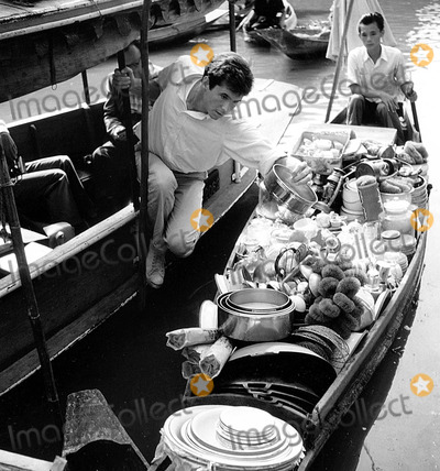Anthony Perkins Photo - Anthony Perkins on Location in Thailand Photo Frank Maynard WolfeGlobe Photos Inc