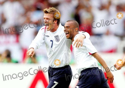 Ashley Cole Photo - David Beckham  Ashley Cole Celebration England V Ecuador David Beckham  Ashley Cole England V Ecuador