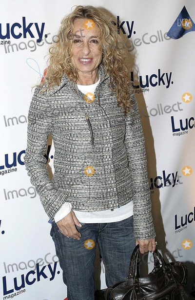 Anne Dexter Jones Photo - Lucky Magazine  Lucky Shops the Ultimate Shopping Evevnt at the Gotham Hall to Benefit Free Arts  New Yortk City 11-09-2005 Photo Anthony G Moore-Globe Photos Inc 2005 Anne Dexter Jones
