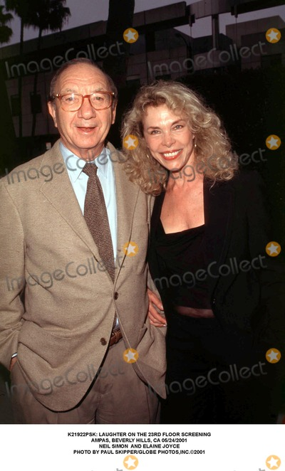 Elaine Joyce Photo -  Laughter on the 23rd Floor Screening Ampas Beverly Hills CA 05242001 Neil Simon and Elaine Joyce Photo by Paul SkipperGlobe Photosinc
