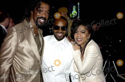 Ashford  Simpson Photo - Neil Young  Jermaine Dupri Receive Top Honors on May 16th at the Ascap Pop Awards at the Beverly Hilton Hotel California 5-16-2005 Photo Byvalerie Goodloe-Globe Photos Inc 2005 Jermane Dupri with Ashford and Simpson