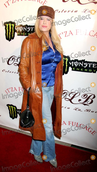 Amy Boatwright Photo - Itzafulcage by Christina Fulton Official Launch Party Diane Merrick Clothing Salonlos Angeles CA 11-29-2006 Amy Boatwright Photo Clinton H Wallace-photomundo-Globe Photos Inc