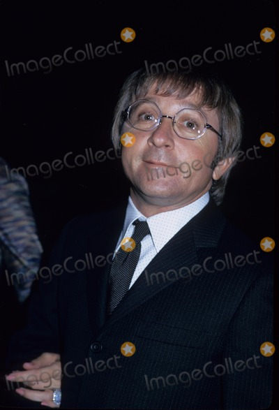 Arte Johnson Photo - Arte Johnson M3898 Supplied by Globe Photos Inc