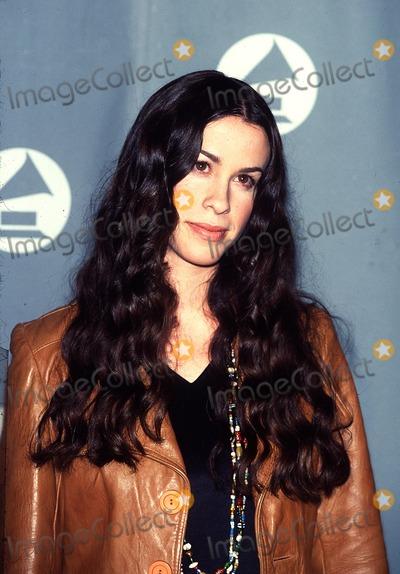 Alanis Morisette Photo -  1996 Grammy Awards in Los Angeles CA Alanis Morisette Photo by Fitzroy BarrettGlobe Photos Inc